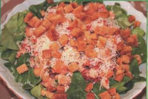 Салат с курицей, помидором и огурцом