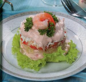 Салат с креветками и оригинальным соусом
